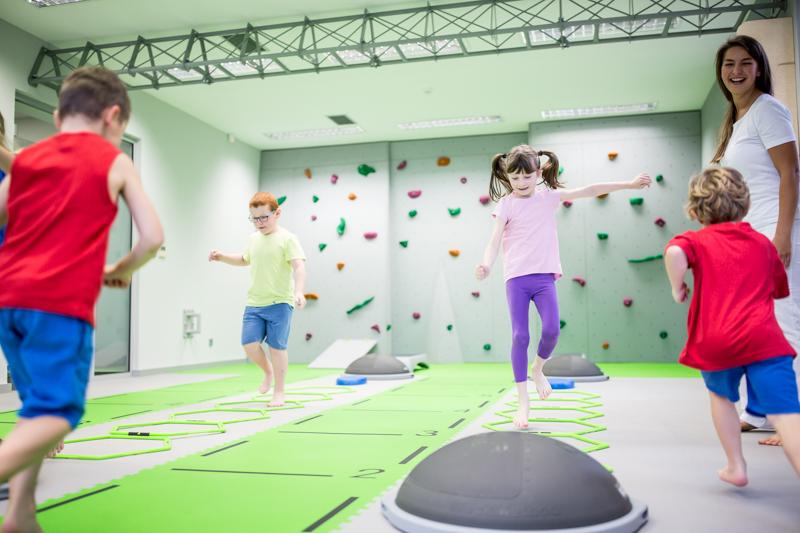Cvičení pro děti je vedeno zábavnou formou