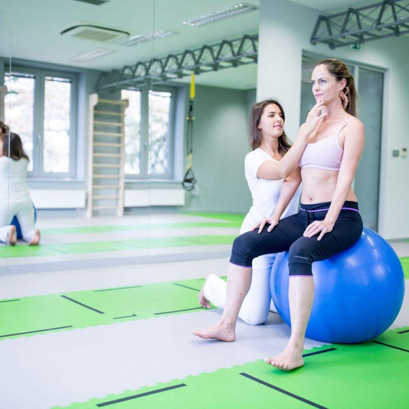 Rehabilitace v moderních prostorách s plnou pozorností terapeuta